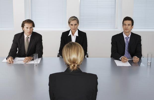 Đặt câu hỏi bắt đầu cuộc phỏng vấn