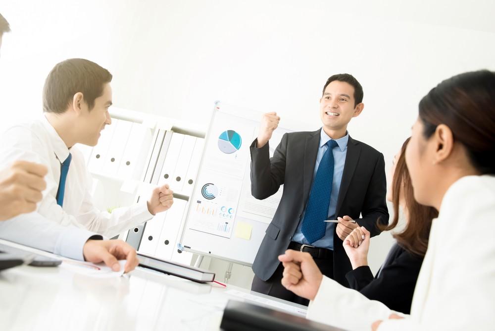 Công việc mà Supervisor thường làm là giám sát hoạt động của nhân viên