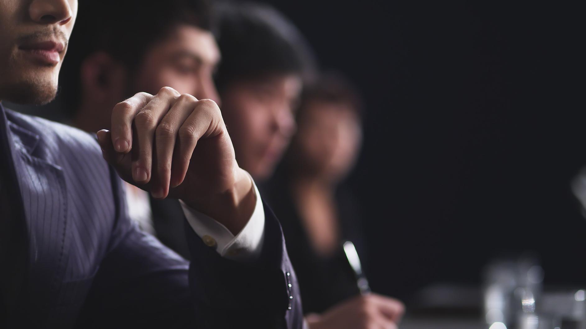 Vai trò điều hành của CEO là gì?