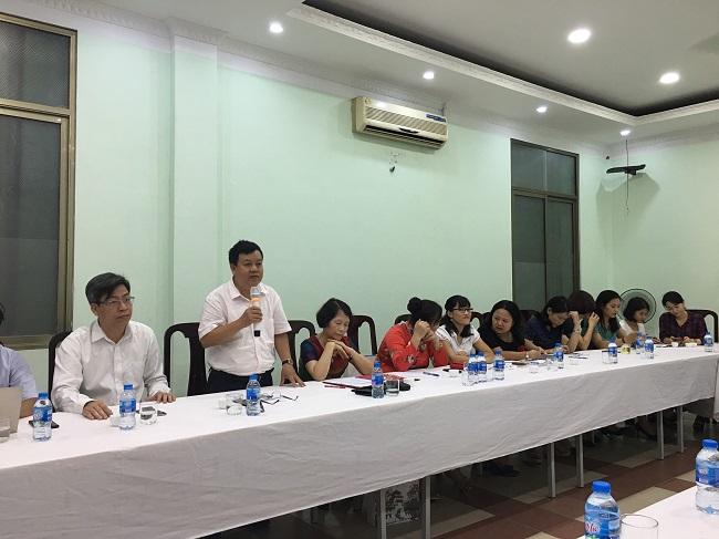 Ban lãnh đạo Đại học Quốc gia Hà Nội đặt các câu hỏi về Cổng thông tin việc làm