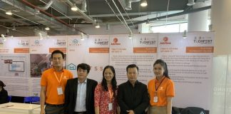 Shark Việt tham quan gian hàng JobNow tại sự kiện TechFest 2019
