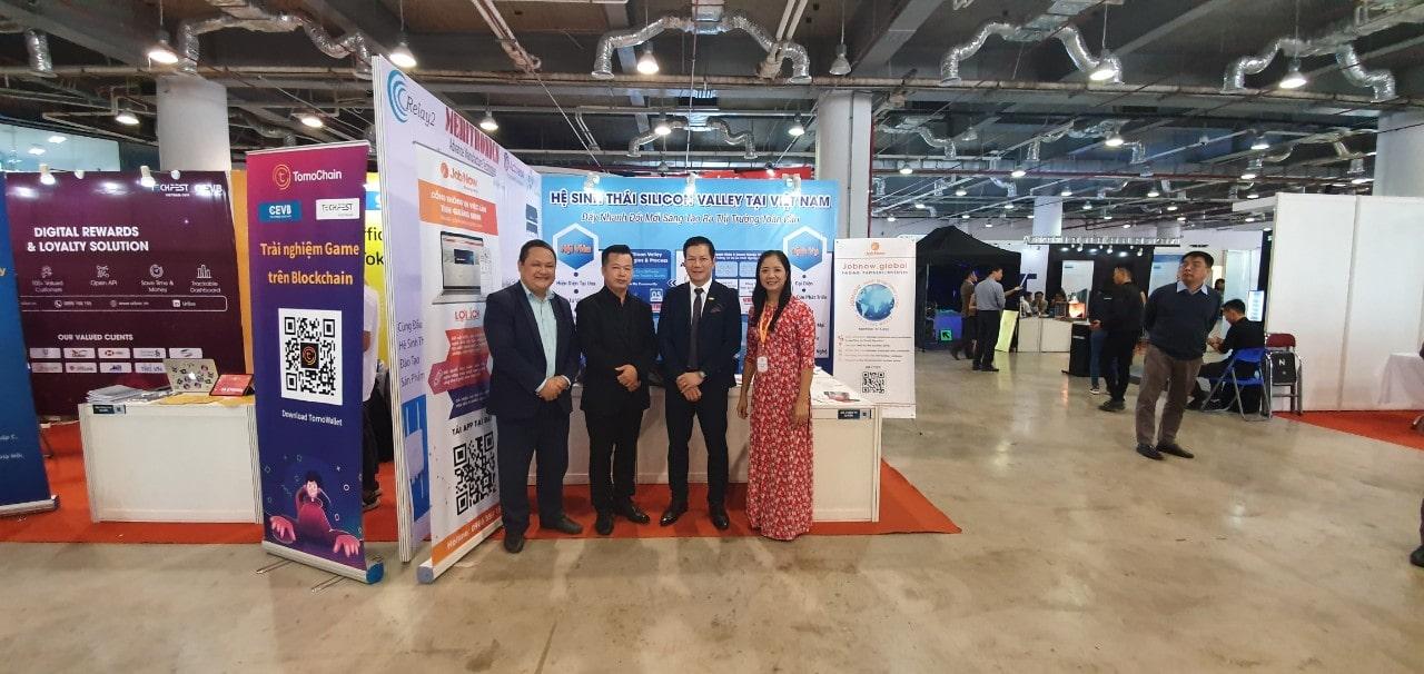 Shark Hưng và Shark Việt tham quan hệ sinh thái Silicon tại sự kiện TechFest 2019